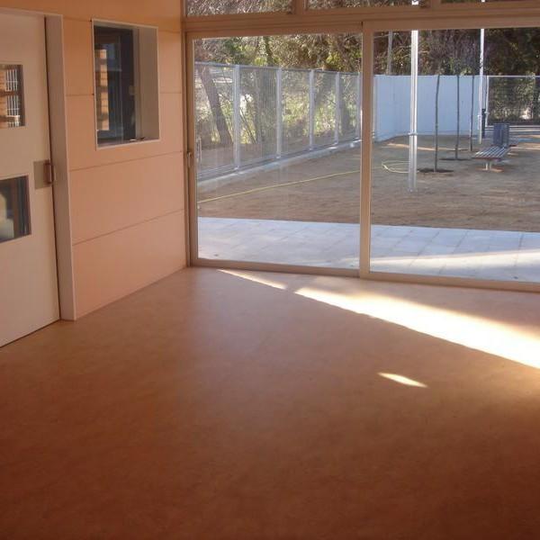 pavimento linoleum grupocodeca. Black Bedroom Furniture Sets. Home Design Ideas